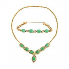 18 Karat Gold Diamonds and Chinese Jade Necklace and Bracelet Set - 936682
