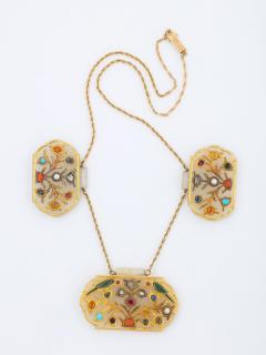 18 Karat Gold and White Jade Indian Mughal Necklace with Semi Precious Stones - 936549