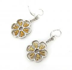 18KT TWO TONE GOLD DIAMOND HANGING FLORAL MOTIF EARRINGS - 1092687