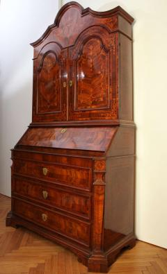 18th Century Italian Walnut Parquetry Important Bureau Cabinet Trumeaux - 1984861