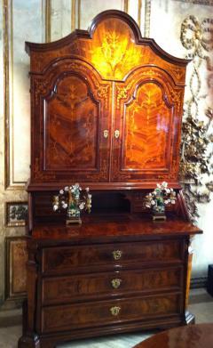 18th Century Italian Walnut Parquetry Important Bureau Cabinet Trumeaux - 1984864