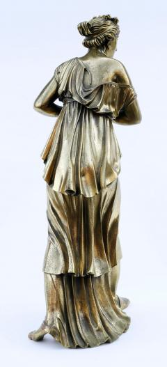 18th Century Neoclassical Bronze Dor Sculpture of a Woman - 1708335