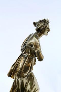 18th Century Neoclassical Bronze Dor Sculpture of a Woman - 1708341