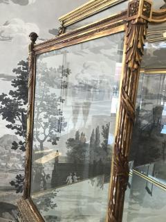 19 Century Italian Showcase with Mirror Base - 575796
