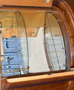 1930s Art Deco English Drinks Cabinet In Walnut - 1032065