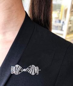 1930s Art Deco Platinum French Onyx Diamond Tuxedo Bow Shaped Brooch Pin Pendant - 1098201