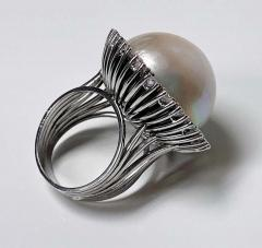 1960s French 18 Karat Mabe Pearl and Diamond Ring - 1819648