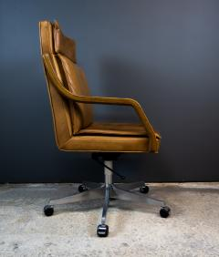 1970s Italian Office Chair in Cognac Leather Cherry Wood - 2147752