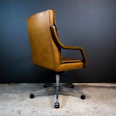 1970s Italian Office Chair in Cognac Leather Cherry Wood - 2147758