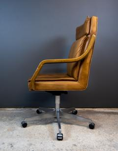 1970s Italian Office Chair in Cognac Leather Cherry Wood - 2147760