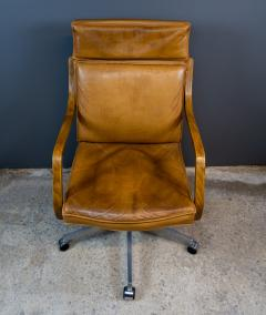 1970s Italian Office Chair in Cognac Leather Cherry Wood - 2147762