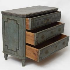 19TH CENTURY SWEDISH GUSTAVIAN STYLE CHEST OF DRAWERS IN BLUE SHADES - 2132824
