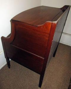 19th Century Georgian Mahogany Bowfront Bedside Table Commode - 996309