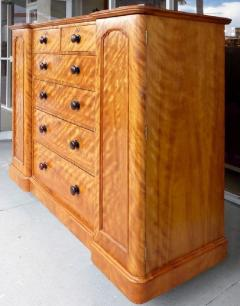 19th Century Tall Maple Biedermeier Dresser - 1122046