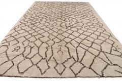 21st Century Modern Moroccan Beige Wool Rug - 1538602