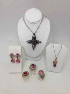 3 63 Carat Lavender Sapphire Pendant with Diamonds in 18 Karat Gold - 1100231
