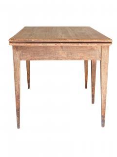 5 Legged Table - 569165