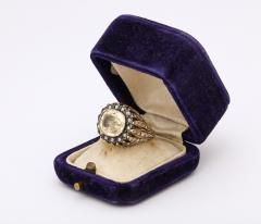 9 ct Natural Sapphire surrounded by Rose Diamonds and set in Gold - 1174347