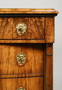 A Classic Biedermeier Commode - 478390