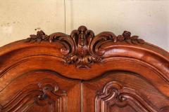 A Fine French Louis XV period Walnut Bordelais Armoire - 634295