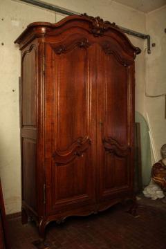 A Fine French Louis XV period Walnut Bordelais Armoire - 634296
