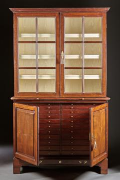 A Fine Georgian Mahogany Collectors Cabinet - 554671