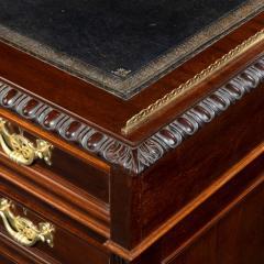 A Fine Quality Late Victorian Mahogany Pedestal Desk - 1481149
