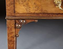 A Fine and Unusual Burl Elm Georgian Pembroke Table - 588717