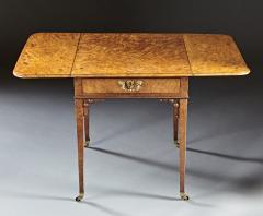 A Fine and Unusual Burl Elm Georgian Pembroke Table - 588720