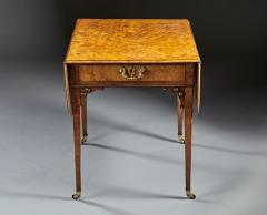 A Fine and Unusual Burl Elm Georgian Pembroke Table - 588725