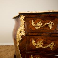 A French 18th C marble top and brass mounts chest of drawers - 2129061