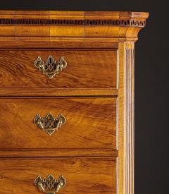 A Georgian Figural Walnut Chest on Chest - 589002