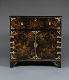 A Japanned Secretaire Set With Gilt Brass Mounts Of The Great Comet of 1811 - 540201