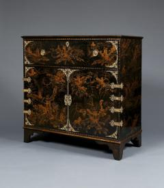 A Japanned Secretaire Set With Gilt Brass Mounts Of The Great Comet of 1811 - 540202