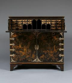 A Japanned Secretaire Set With Gilt Brass Mounts Of The Great Comet of 1811 - 540203
