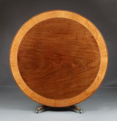 A Large And Elegant George III Dining Table Of Well Figured Mahogany - 1307359