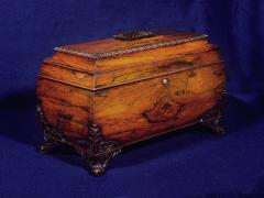 A Large William IV Rosewood Tea Caddy - 883412