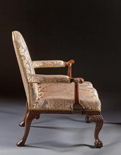 A Pair of Chippendale Gainsborough Chairs - 554415