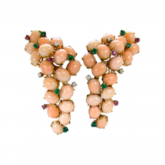 A Pair of Coral Ear Clips c1960 - 45027