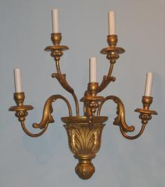 A Pair of Gilded Wood Sconces with Five Lights featuring acanthus leaves - 278106