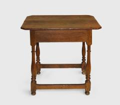 A Pennsylvania walnut stretcher base table - 1356092