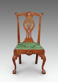 A Philadelphia walnut tassel back side chair - 1467164