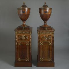 A SERIOUS PAIR OF CHIPPENDALE PERIOD DINING ROOM URNS ENGLISH CIRCA 1770 - 1817203