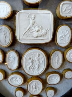 A Set of 12 Framed Cameos Intaglios  - 111738