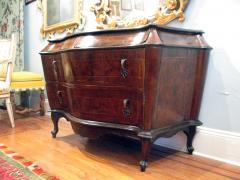 A Venetian Rococo Walnut and Burl Walnut Commode - 122637