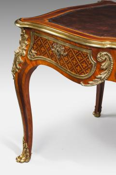 A fine kingwood and marquetry bureau plat in the French taste - 778788