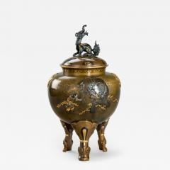 A large and very fine bronze tripod Koro attributed to the Kanazawa Doki Company - 1146539