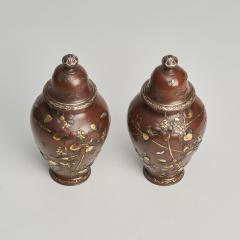 A pair of Antique Japanese miniature jars and covers - 1296471