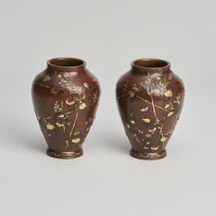 A pair of Antique Japanese miniature jars and covers - 1296473