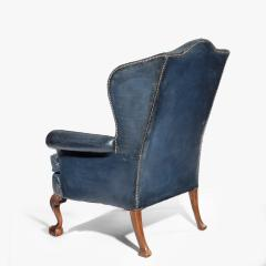 A pair of Chippendale style leather wing armchairs - 1950982